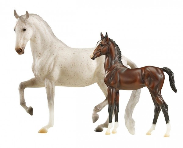 Breyer Favory Airrella and Airiella Toy Models